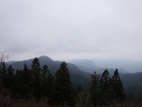 左に国見山