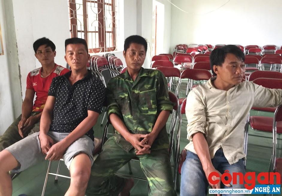 4 đối tượng khai thác rừng trái phép bị Phòng Cảnh sát Môi trường bắt giữ