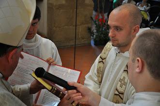 Photo: předání evangeliáře