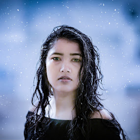 Snowgirl by Shashi Patel - People Portraits of Women ( water, love, shadow, snow, drops, cute )
