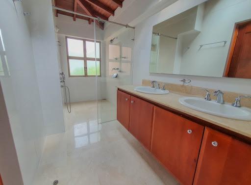 casas en venta poblado 585-25252
