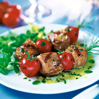 Spießchen mit Kalbfleisch und Tomaten