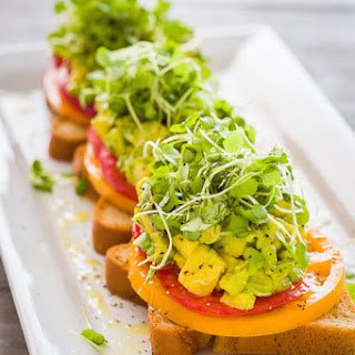 Avocado Toast with Tomatoes Recipe