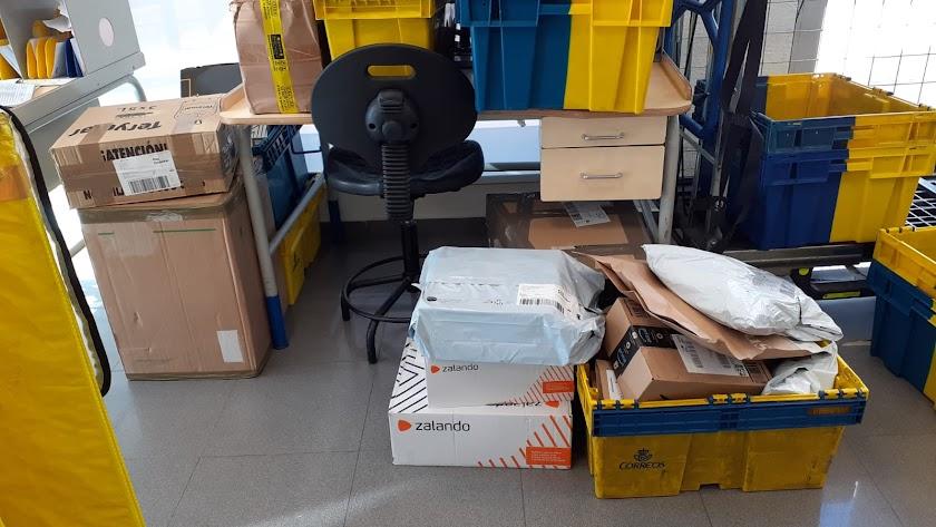 Imagen de material a repartir en la oficina de Correos en Carboneras.