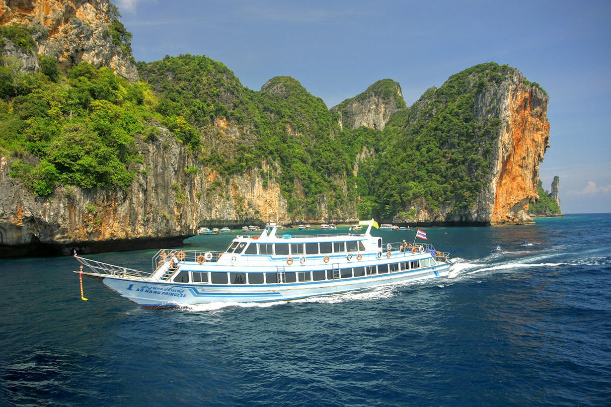 Travel from Koh Lanta to Phuket by high speed ferry