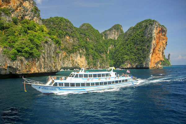 Travel from Koh Phi Phi to Railay Beach by high speed ferry