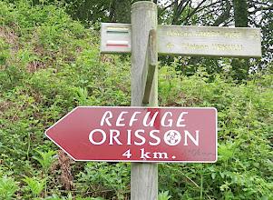 Photo: 9h28-Départ de Saint Michel, alt- 310ms Sur la route de Compostelle vers Roncevaux ( GR 10)