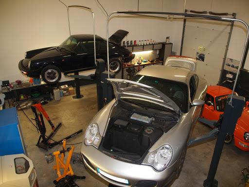 Porsche en réparation chez Flat 26