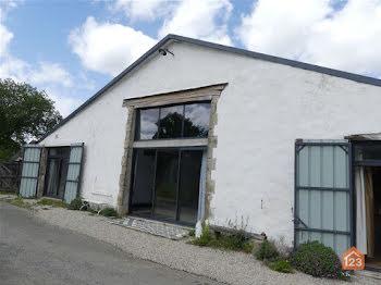 maison à Nieul-le-Dolent (85)