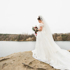 Wedding photographer Denis Konstantinov (380960170930). Photo of 18.12.2017