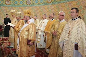 Photo: Архиєреї та священики - права сторона вівтаря
