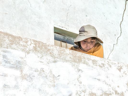 Bimbo al balcone di giuliobrega