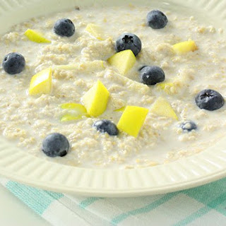 Cinnamon Porridge with Apple & Blueberries.