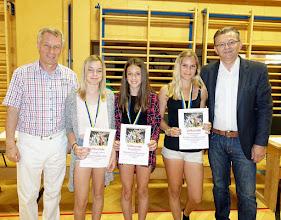 Photo: Sieger beim Kletterwettbewerb (Mädchen - 3. und 4. Klassen)