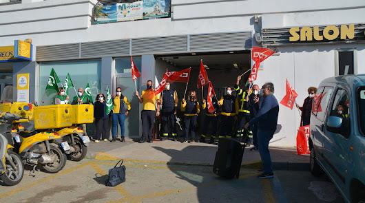 Los carteros del Levante protestan contra los recortes en Mojácar