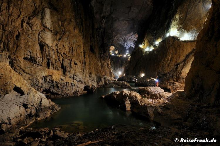 """Die """"Rauschende Höhle"""" bei Niedrigwasser. Škocjan Höhlen, copyright Park Škocjanske jame, Autor Borut Lozej"""