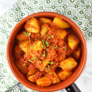 Patate Rifatte - a Potato Side Dish with Tomato and Marjoram Recipe