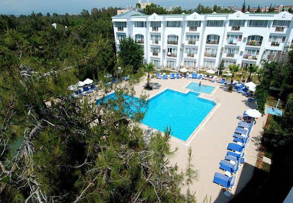 Maya World Golf Hotel