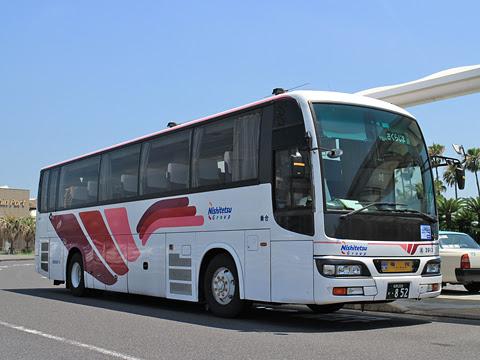 西鉄高速バス「桜島号」昼行便 3913 鹿児島本港にて