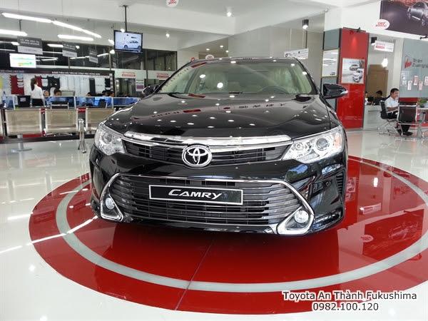 Giảm Giá xe hơi Toyota Camry 2.5 Q 2016 màu đen