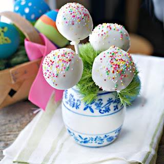 Easter Cake Pops.