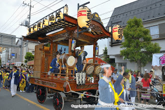 Photo: 【平成23年(2011) 宵宮】  上溝商店街を「山手」の演舞にのって進む。