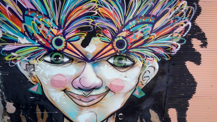 crazy+graffiti+valparaiso+chile.jpg