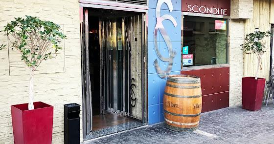 Tapas, cervezas y también 'tardeo' en Scondite Bar