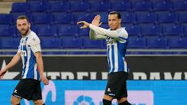 De Tomás celebrando el segundo gol ante el Almería en el RCDE Stadium.