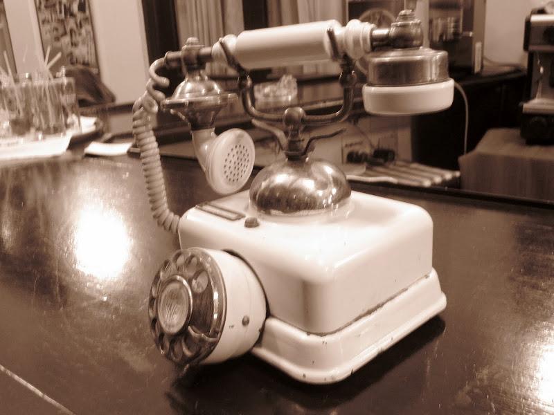 Photo: ye olde phone