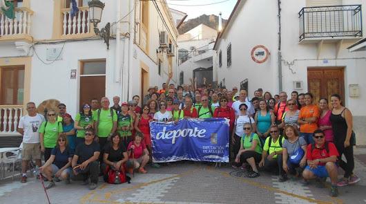 Más de 60 senderistas descubren Somontín