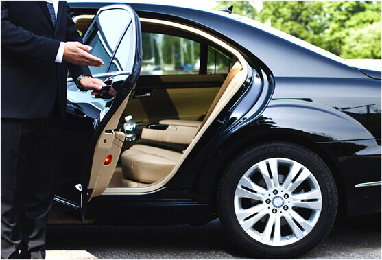 Luxury Limousine Transfer From Frankfurt Airport To Hotel