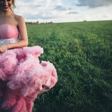 Wedding photographer Mikhail Lezhnev (mihail96). Photo of 25.08.2015