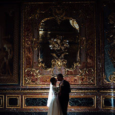 Wedding photographer Zhenya Vasilev (ilfordfan). Photo of 08.01.2018