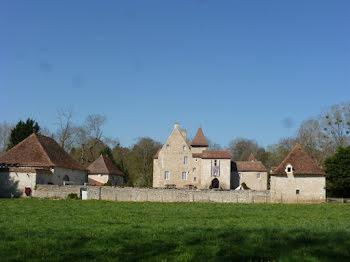 château à Ebreuil (03)