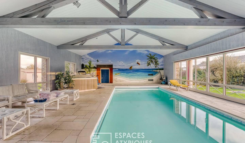 Maison avec piscine et terrasse Belleville-sur-Vie