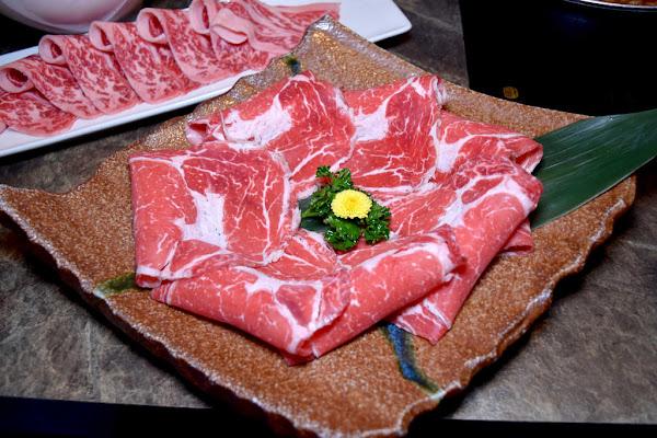 忠孝敦化 五月天的最愛質感鍋物店#養心殿精緻鍋物#頂級美國沙朗牛肉PK頂級美國無骨牛小排