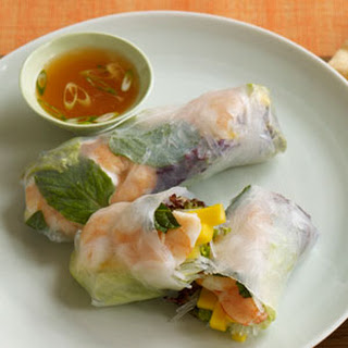 Shrimp and Mango Summer Rolls with Sweet and Spicy Dipping Sauce