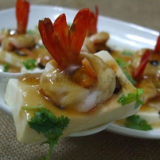 Steam Tofu with Prawns.