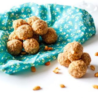 Healthy Peanut Butter Energy Bites.