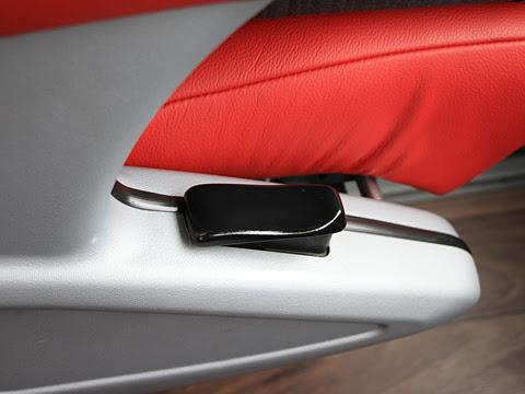 岩手県北自動車「盛宮106特急」 3列ワイドビューシート リクライニングレバー