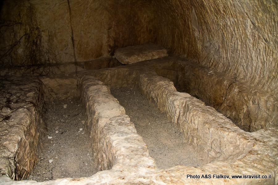 Гробницы в пещере Рабби Иехуда ха-Наси. Национальный парк Бейт Шеарим. Экскурсия гида по Израилю Светланы Фиалковой.