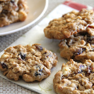 DELICIOUS OATMEAL CRANBERRY-WALNUT COOKIES