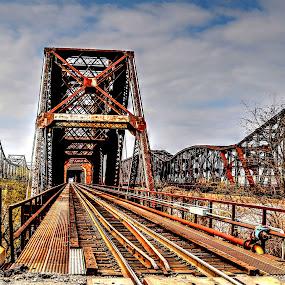 Frisco Railroad Bridge in Downtown Memphis 2017... by Billy Morris - Buildings & Architecture Bridges & Suspended Structures ( mississippi river, railroad, frisco, bridge, landscape )