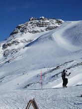 Photo: По этой вершине проходит граница Италии и Швейцарии. Червиния.