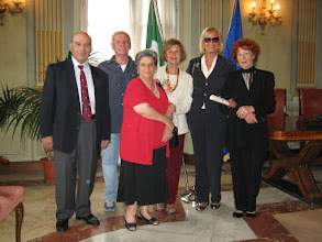 Photo: Carmen con parenti e amici intervenuti alla cerimonia.