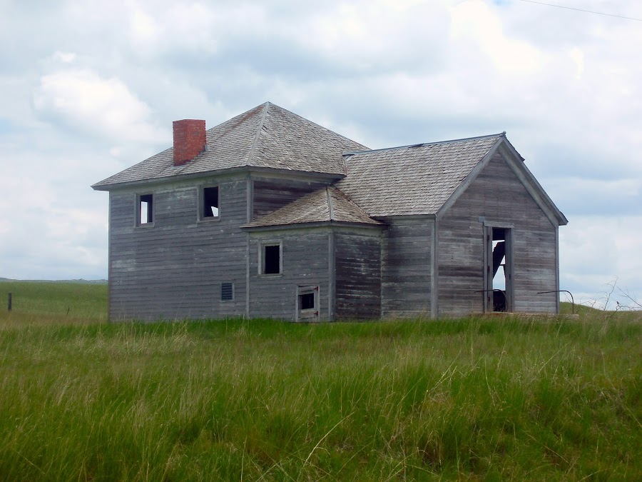 Old House by Jeff Miller - Buildings & Architecture Homes ( north dakota unassigned territory 6-13-2010 )