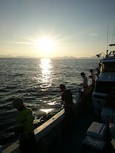 Photo: 台風が九州に接近中です。 さあー、お魚さん! 今、エサ食っておかないと 大シケになってからは食えませんよ! ・・・ってジグでだまして釣るんだから どっちにしてもエサを食えない「お魚さん」。 ガンバろーっ!
