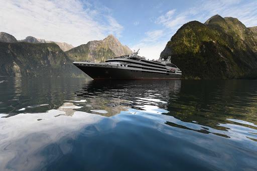 Ponant-NZ-Milford-Sound.jpg - Visit eye-popping Milford Sound, New Zealand, on your next Ponant cruise.
