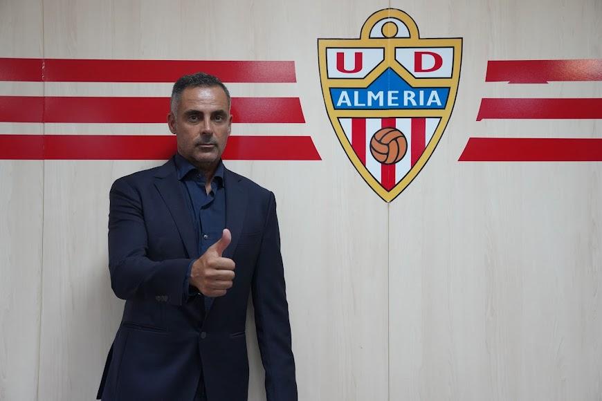 José Gomes en el club.